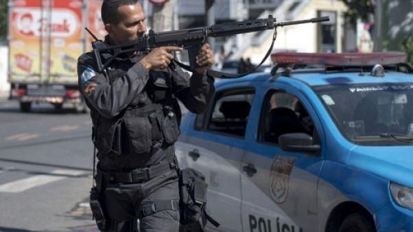 Hécatombe de policiers à Rio: marche de soutien à Copacabana