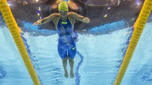 """Nuoto: 100 sl, Sjostrom 1/a sotto i 52"""""""