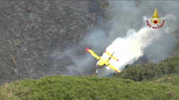Ancora incendi in Calabria, 22 attivi
