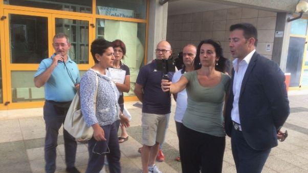 Blitz M5S in Agenzia Entrate Cagliari
