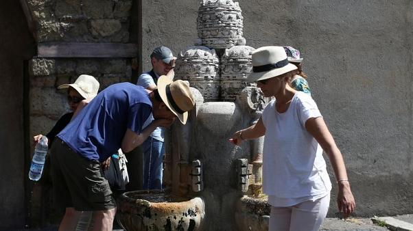 Vatican turns off fountains as Rome gasps in drought