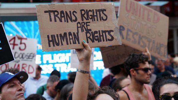 Trump - no transgender people will serve in U.S. military: Twitter