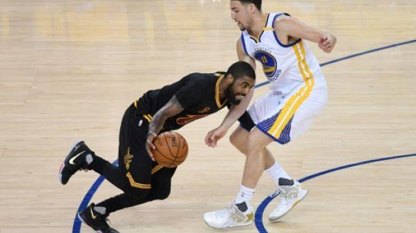 NBA: Cleveland tente d'éteindre l'incendie Irving