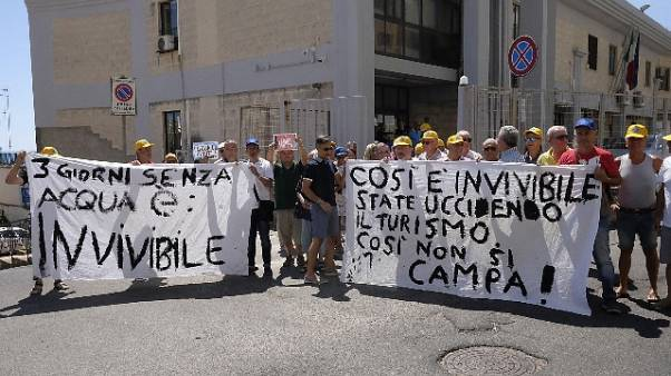 Siccità, proteste agricoltori crotonesi