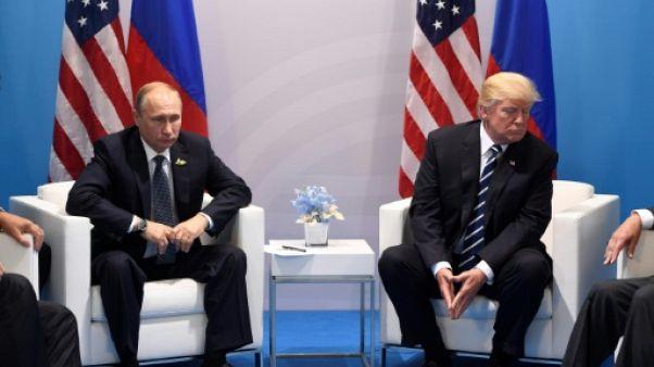 """Nouvelles sanctions: Poutine promet une réponse à l'""""insolence"""" américaine"""