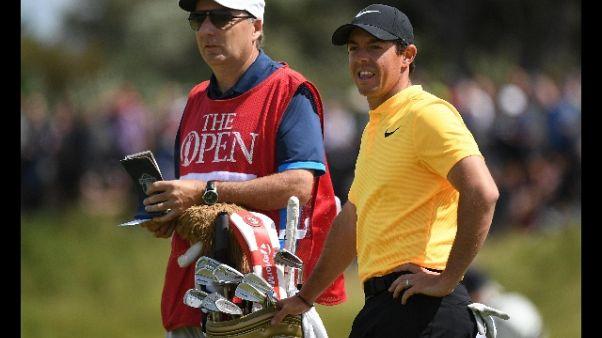 Golf: McIlroy licenzia storico caddie