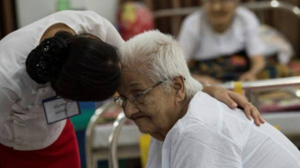 Cruel crépuscule pour les vieillards en Birmanie