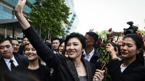 """Thaïlande: procès """"politique"""" pour l'ex-Première ministre"""