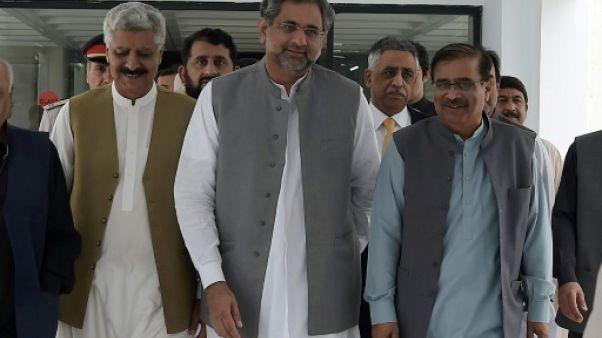 Pakistan : l'ex-ministre du Pétrole Abbasi élu Premier ministre