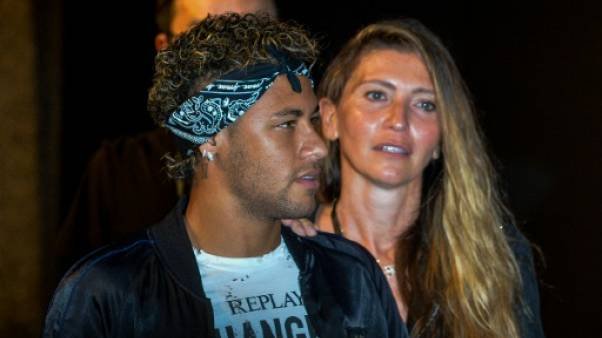 Neymar en plein jeu de piste aérien