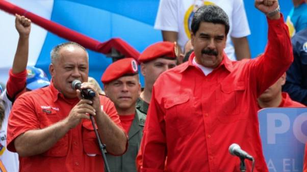 """Venezuela: les 5 doigts de la """"main gauche"""" de Maduro pour réécrire la Constitution"""