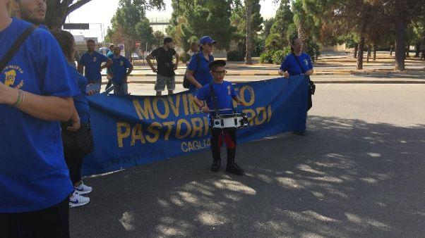 Protesta pastori sardi, mille a Cagliari