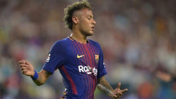 Transfert: Neymar espéré à Paris dans les heures à venir