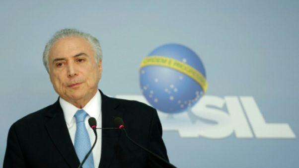 Brésil: après sa victoire facile, cap sur les réformes pour Temer