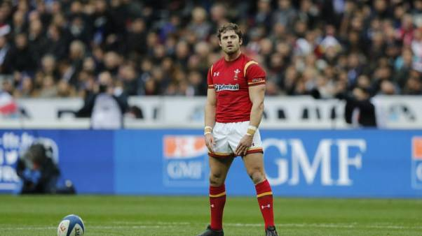 Halfpenny joins Scarlets on a three-year deal
