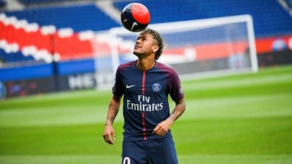 """Neymar au PSG: """"Je voulais un plus grand défi"""""""