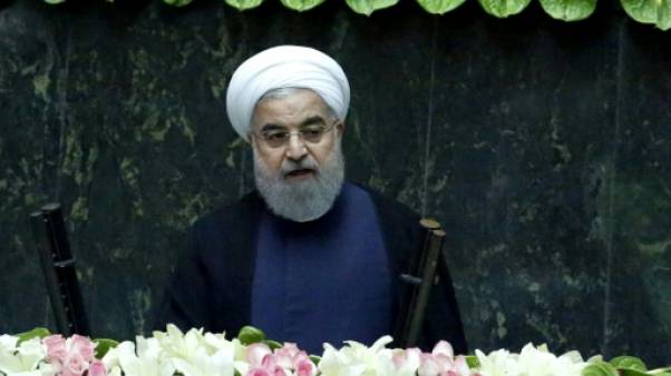 Iran: le président Rohani prête serment