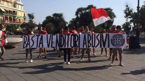 Ambulanti,nuovo blitz Casapound a Ostia