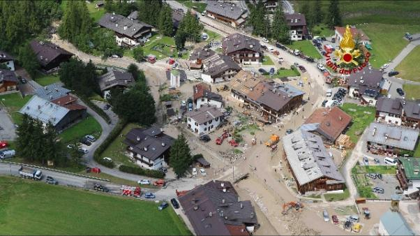 Bomba acqua Cortina, evacuate 12 case