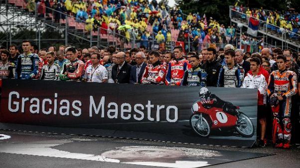 Moto: 1' silenzio nel paddock per Nieto
