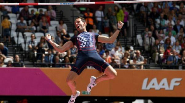 Athlétisme: Lavillenie et Chapelle en finale à la perche aux Mondiaux