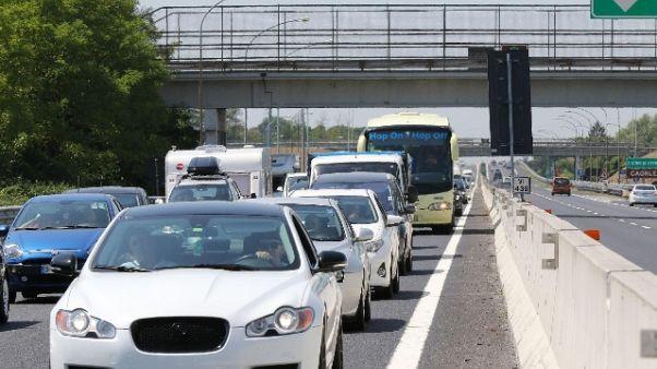 Estate: traffico sostenuto, meno di ieri