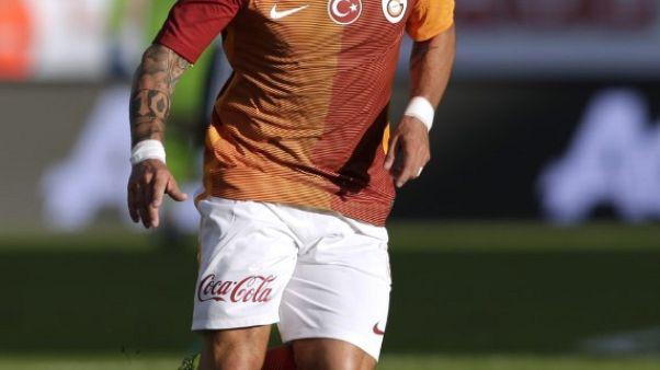 Dutch midfielder Sneijder joins Nice