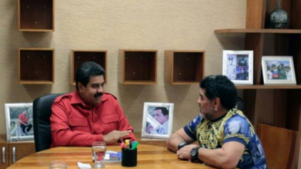 "Venezuela: Maradona se propose comme ""soldat"" à Maduro"