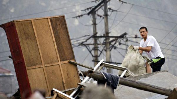 Chine: séisme de magnitude 6.5 dans le Sichuan, les autorités craignent jusqu'à 100 morts