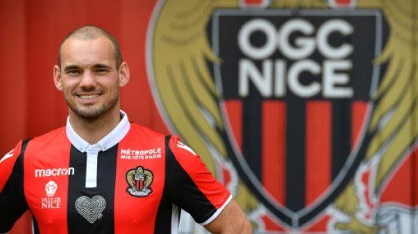 """Nice: Sneijder en """"patron"""", en attendant le terrain"""