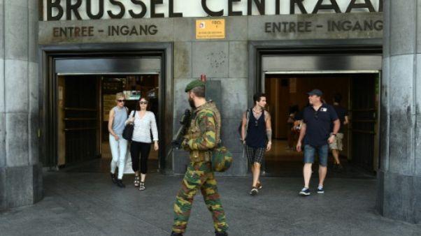 Face aux attentats, des soldats dans les rues en Europe, sauf en Allemagne