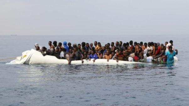 """Secours aux migrants: la Libye interdit """"tout navire étranger"""" près de ses côtes"""
