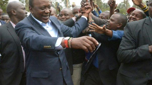 """Kenya: Uhuru Kenyatta réélu président, l'opposition dénonce une """"mascarade"""""""