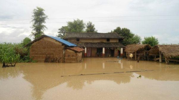 Népal: 25 morts dans des inondations et glissements de terrain