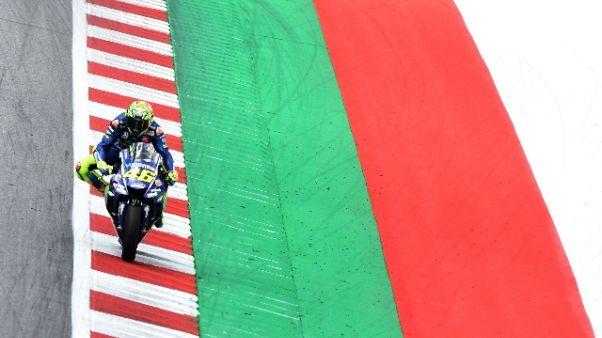 Rossi, la gomma dietro ha retto 10 giri