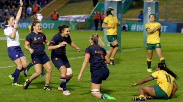 Rugby: la France montre ses muscles au Mondial dames