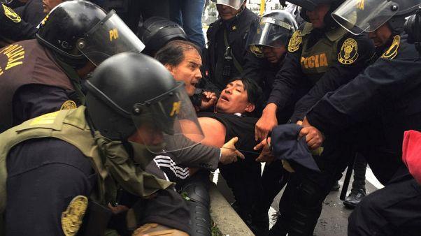Peru's Kuczynski tells striking teachers to return to work