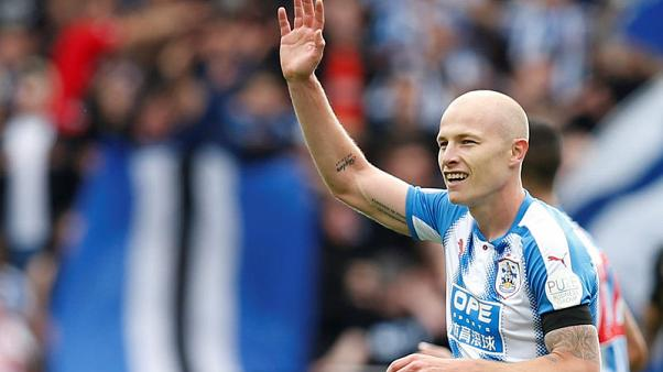 Mooy strikes as buoyant Huddersfield edge Newcastle