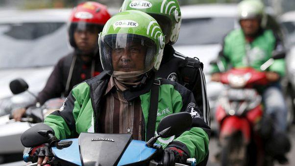 Indonesia court scraps new ride-hailing tariff rules