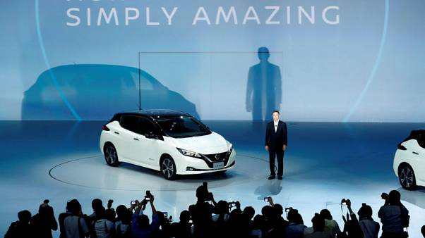 Nissan targets new Leaf global sales of more than 90,000 a year