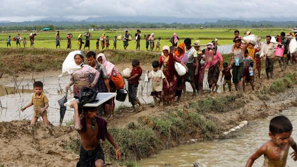Exclusive - U.N. expects up to 300,000 Rohingya could flee Myanmar violence to Bangladesh