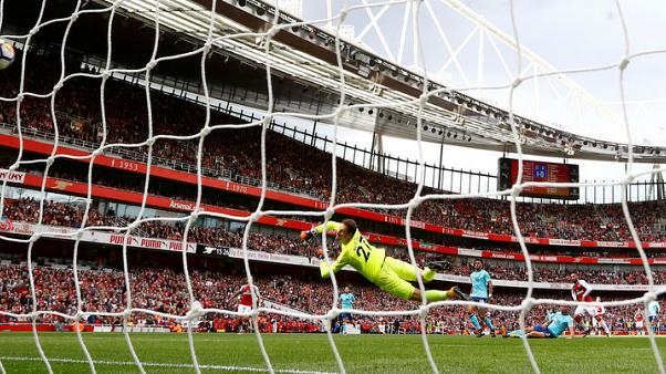 Wenger brushes off talk of crisis at faltering Arsenal