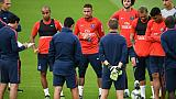 Ligue 1: plus de 400 M EUR dépensés par le PSG, mais Emery devra bricoler
