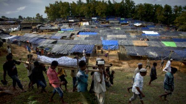 "Rohingyas: 270.000 réfugiés au Bangladesh, Aung San Suu Kyi doit ""se mobiliser"""