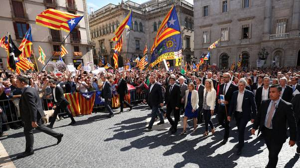 Catalan independence vote divides region's mayors