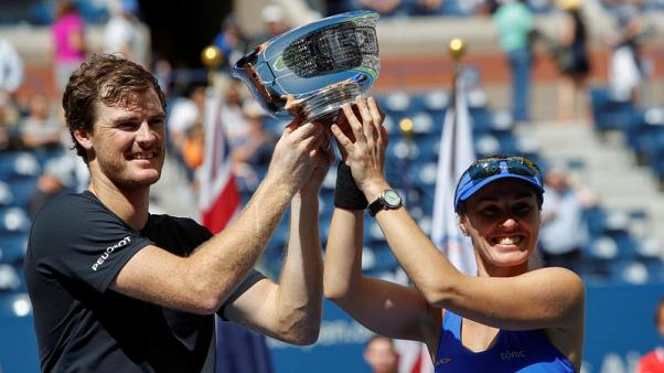 Hingis and Murray win U.S. Open mixed doubles