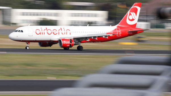 Air Berlin cancels flights as pilots call in sick
