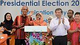 Singapour: une musulmane première femme présidente