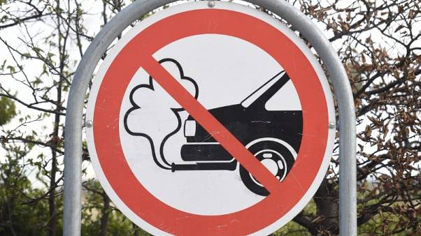 EU carmakers offer conditional 20 percent CO2 cut by 2030