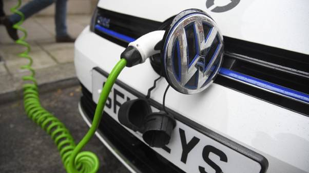 Volkswagen wants European industry to back push for EV battery cells